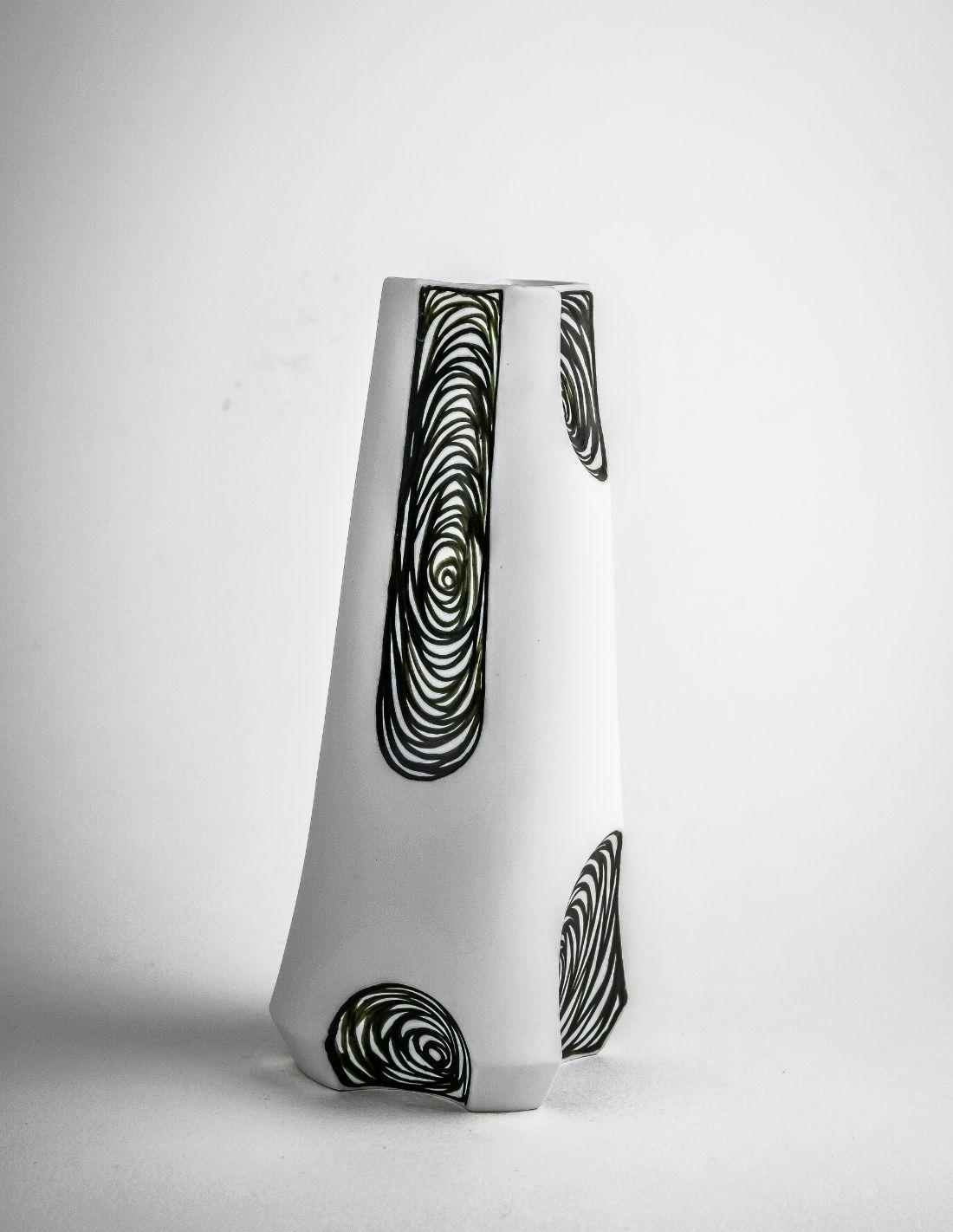 """Vase """"Vertigo Small"""""""